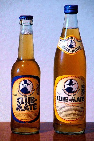 Zwei Flaschen Club-Mate (0,33l und 0,5l)